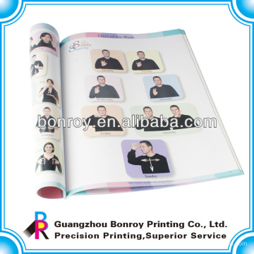 Impresión de libros escolares para niños