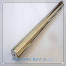 Largo tamaño permanente barra imán con agujero central