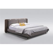 Кровать из кожи и ткани