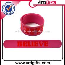 Cadeaux promotionnels silicone slap bracelet