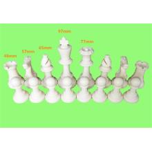pièces d'échecs en plastique