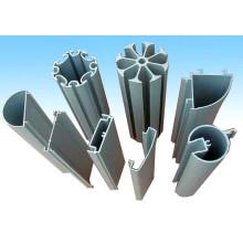 Profil en aluminium complexe pour automobile