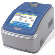 ADN médico analiza gradiente digital PCR
