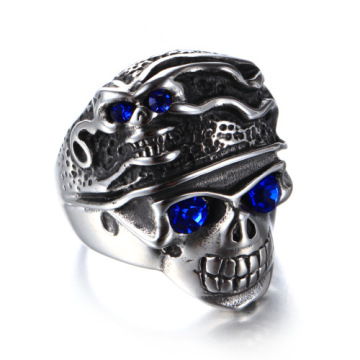 Vacuum plating blue eyes skull finger ring