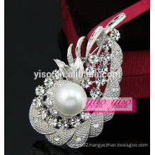 hot sale cheap crystal brooch
