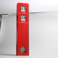 Reloj de pared con péndulo largo rojo