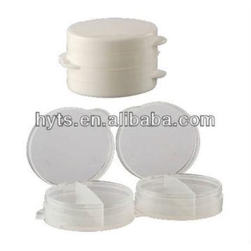 pot en plastique blanc