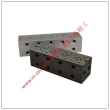 Hydraulisches oder pneumatisches vertikales Befestigungsteil mit Outlets