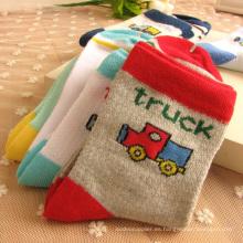 Calcetines muy lindos del algodón del bebé de Patter del coche