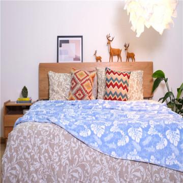 Одеяло для детской кровати из микрофибры с принтом в виде листьев