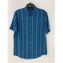 Camisa listrada azul e branca masculina de botões