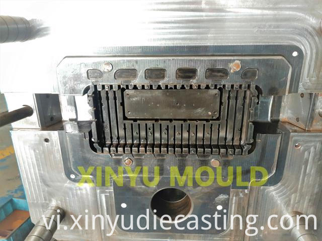 LED light heatsink die