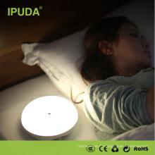 2017 Chinois de Luxe USB Alimenté À Bascule Mini Bureau De Lecture Lampes De Bureau LED Rechargeable zéroTouch Lumière De Table