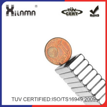 Xilama 28 * 12 * 4 mm quadratisch NdFeB Magnet mit 4mm Loch - Silber
