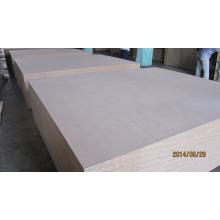 720-850 kg / Cbm Plain MDF Prix