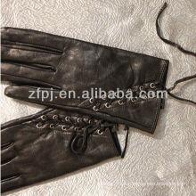 Mujer remache cuero guante trasero banda