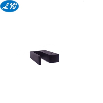 Usinage CNC de blocs en aluminium anodisé noir