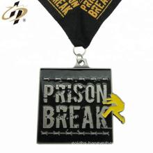 Promotion antique silver custom emboss design sports challenge medal