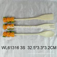 2016 talheres populares conjunto de garfo de madeira / colher / colher com forma de abacaxi