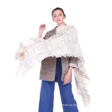2017 nuevas señoras del diseño bufanda hecha punto / chales al por mayor en existencia