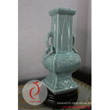 Fancy Design Good Quality Hand-Made Glazed Ceramic Vase in China