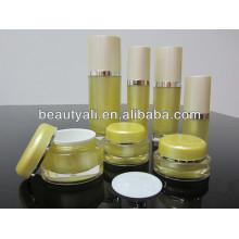 Oval forma acrílico cosméticos tarro y botella