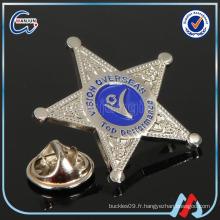 Badge étoile métallique