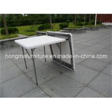 Mesa quadrada portátil para uso ao ar livre