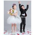 Vestido de niña de las flores en capas de moda bastante nuevo para el vestido de la muchacha del modelo del cordón del color blanco del partido 2016 para la boda y el funcionamiento