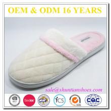 Nouvelle chaussure en éponge en coton doublé en diamant pour femme
