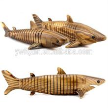 Kundenspezifisches hölzernes Miniaturholz bastelt lebhaften Haifisch