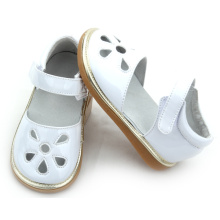 Low MOQ Mix Colors Kids Girls Shoes Stock Squeaky Shoes