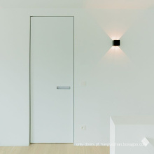 Portas interiores invisíveis com alças modernas