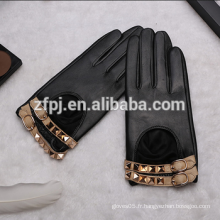 Usine de gants de conduite en cuir court en Chine