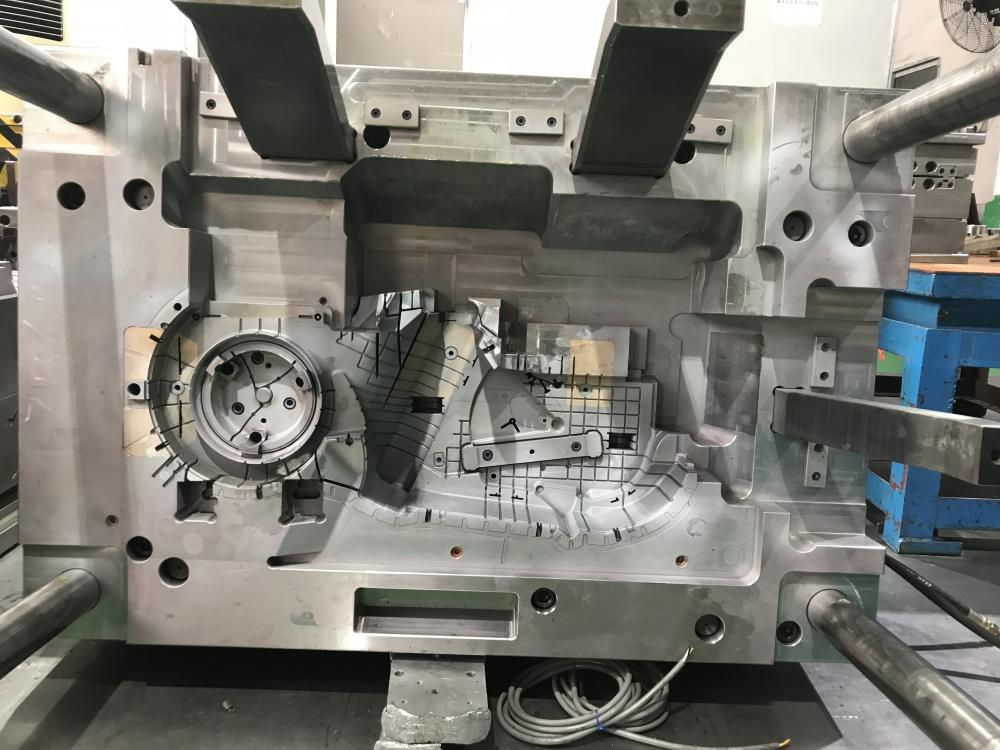 ODM Plastic Injection Mould with Precision Machine