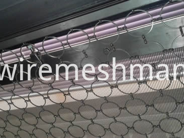 ring-mesh-door-decoration