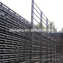 Geschweißter doppelter horizontaler Drahtzaun / PVC beschichtete Doppeldraht 868/656 Zaunplatte