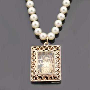 偽の真珠ハング宗教銅モノグラム チェーンネックレス