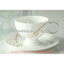 Nouvelle conception ligne dorée bonne qualité en porcelaine en porcelaine et soucoupe