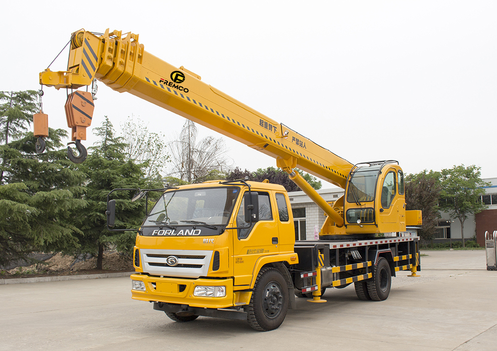 4-16t Flatbed Truck Mounted Crane