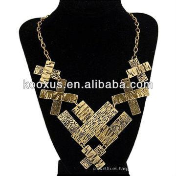 Collar cruzado africano plateado oro