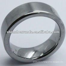 Чёрный простой вольфрамовый перстень с выгравированной буквой для мужчин
