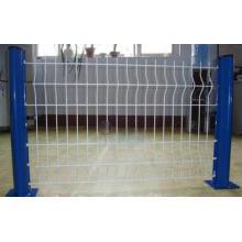 Fabrication professionnelle les clôtures de poteau en forme de pêche dans l'usine
