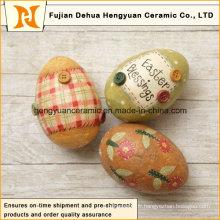 Oeufs de pâques colorés en céramique