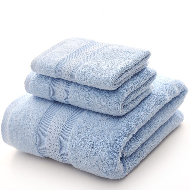 Towels with Classic Satin