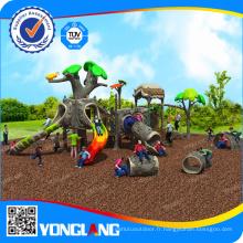 Terrain de jeux extérieur pour école