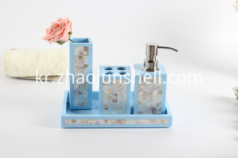 Resin Bathroom Accessory Set with Chinese River Shell