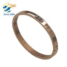 Einfacher Entwurf mit überzogenen Goldgewohnheitsmetallarmbändern für Frauen-Armband