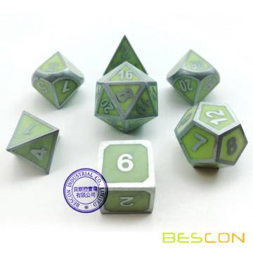 Bescon Super Glow dans le Dark Metal Polyédrique D & D Dice Set de 7 Luminous Metallic RPG Role Playing Game Dice 7pcs Set D4-D20