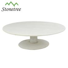 Белая круглая мраморная подставка для торта